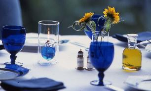 table&blue_glass
